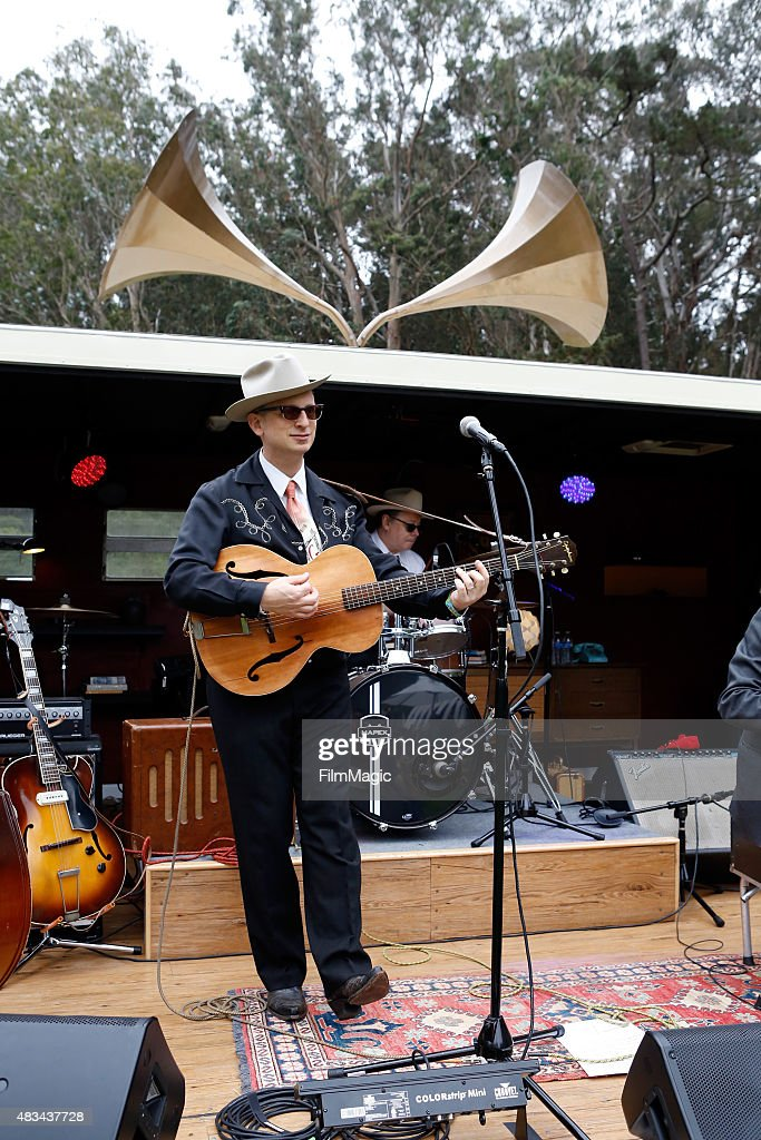 Musician Arann Harris and The Farm Band performs at the Presidio Stage during day 2 of the 2015 Outside Lands Music And Arts Festival at Golden Gate Park on August 8, 2015 in San Francisco, California.