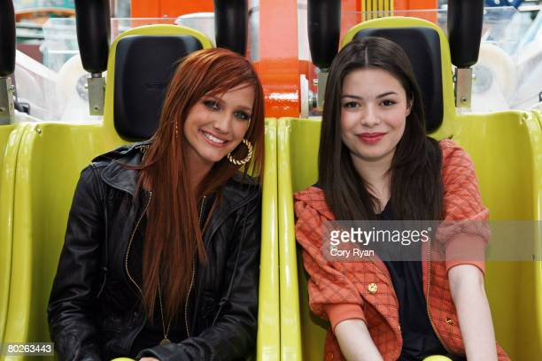 Musician Ashlee Simpson and actress Miranda Cosgrove attend the grand opening of Nickelodeon Universe at the Mall of America March 15, 2008 in...
