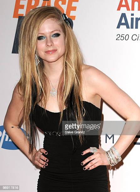 Musician Avril Lavigne arrives at the 17th Annual Race to Erase MS event cochaired by Nancy Davis and Tommy Hilfiger at the Hyatt Regency Century...