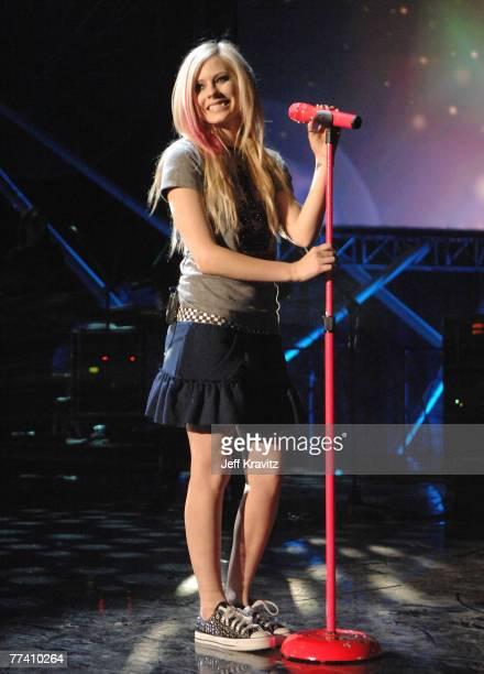 Musician Avril Lavigne performs during Los Premios MTV Latin America 2007 at El Palacio de Los Deportes on October 18 2007 in Mexico City Mexico