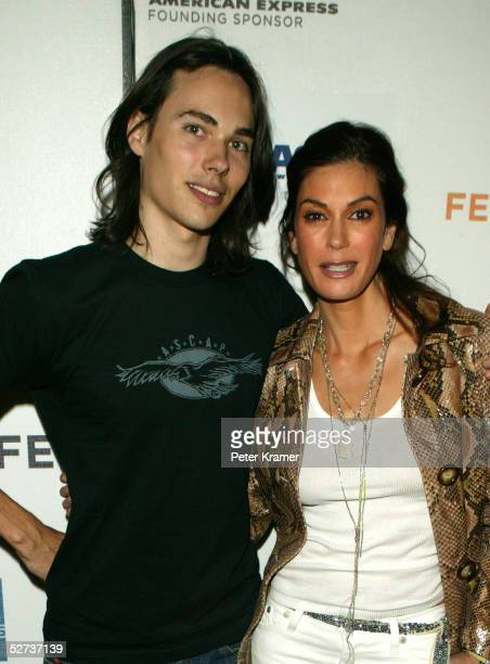 Musician Ben Jelen and actress Teri Hatcher pose for a photo at The ASCAP Music Lounge at the Tribeca Film Festival April 29, 2005 in New York City.