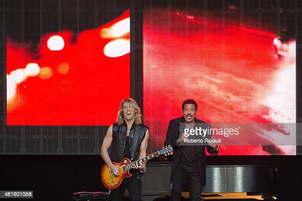 Musician Ben Mauro and Lionel Richie perform on stage at Edinburgh Castle on July 22 2015 in Edinburgh United Kingdom