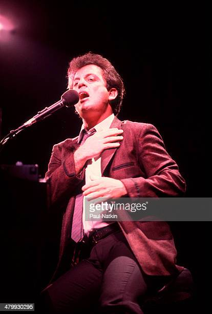 Musician Billy Joel performs onstage at the Rosemont Horizon Rosemont Illinois March 30 1984