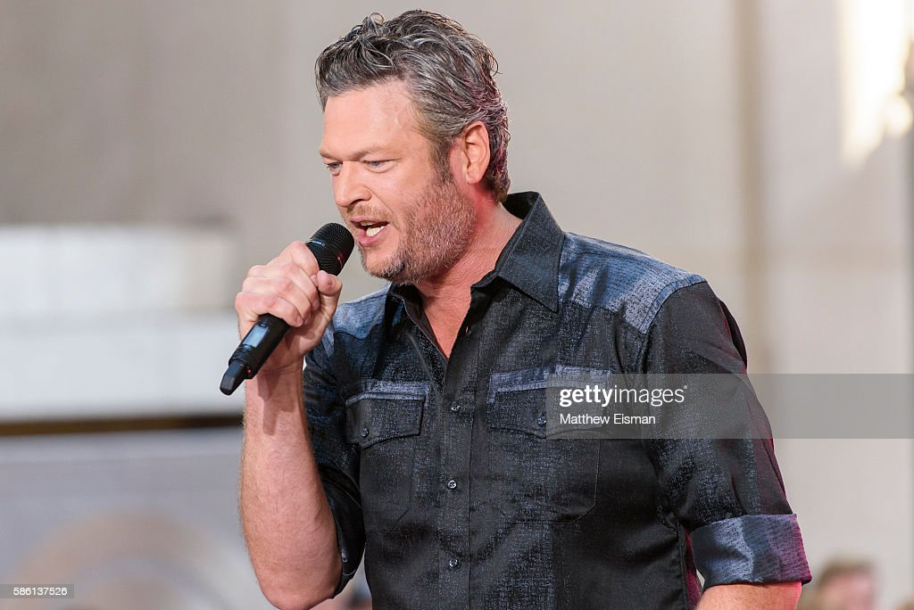 """Blake Shelton Performs On NBC's """"Today"""" : News Photo"""