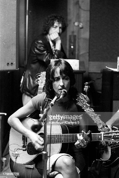 Musician Bob Dylan and Joan Baez are photographed during rehearsal for the Rolling Thunder Revue in October 1975 in New York City CREDIT MUST READ...