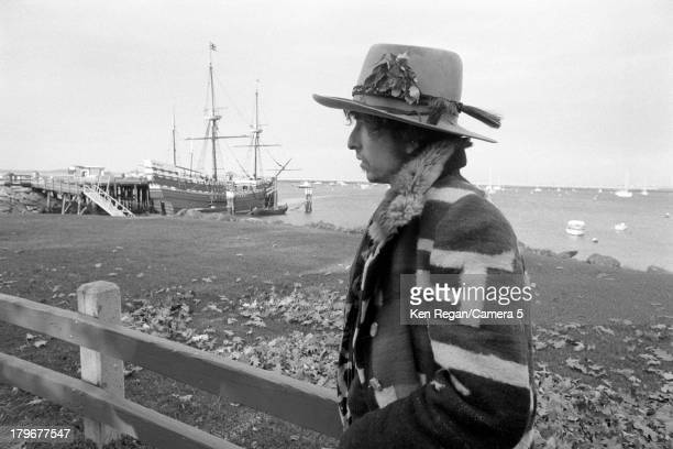 Musician Bob Dylan is photographed during the Rolling Thunder Revue on October 31 1975 in Plymouth Massachusetts CREDIT MUST READ Ken Regan/Camera 5...