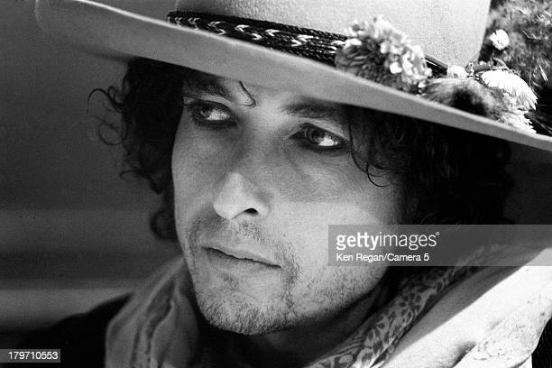 Musician Bob Dylan is photographed during the Rolling Thunder Revue in November 1975 in Niagara Falls New York CREDIT MUST READ Ken Regan/Camera 5...