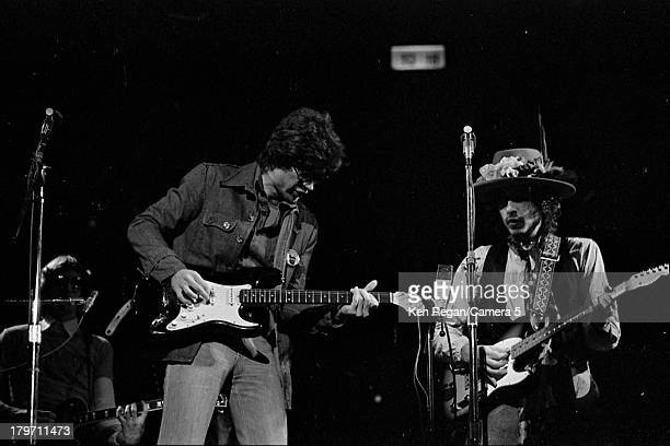 Musician Bob Dylan is photographed onstage at Madison Square Garden during the Rolling Thunder Revue on December 8 1975 in New York City CREDIT MUST...