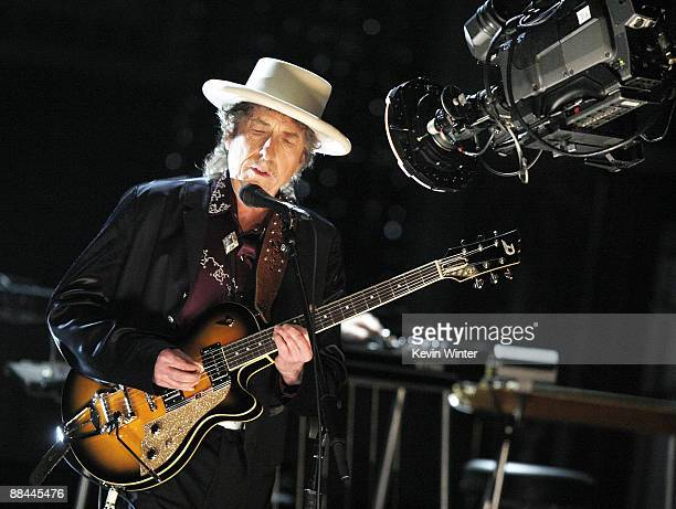 Musician Bob Dylan performs onstage during the 37th AFI Life Achievement Award: A Tribute to Michael Douglas at Sony Pictures on June 11, 2009 in...