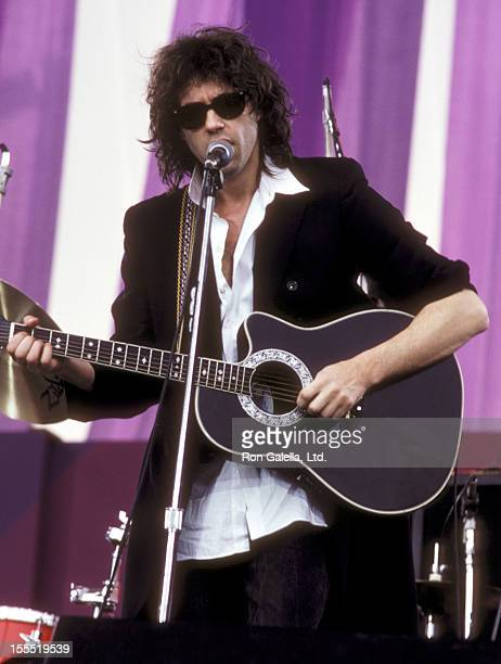 Musician Bob Geldof performs at the Amnesty International's A Conspiracy of Hope Benefit Concert on June 15, 1986 at Giants Stadium in East...