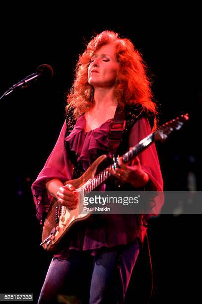 Musician Bonnie Raitt performs onstage at the Verizon Center, Indianapolis, Indiana, August 1, 1991.