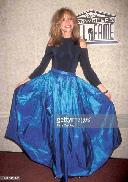 Musician Carly Simon attends The National Academy of Popular Music's 25th Annual Songwriters Hall of Fame Induction Ceremony on June 1, 1994 at...