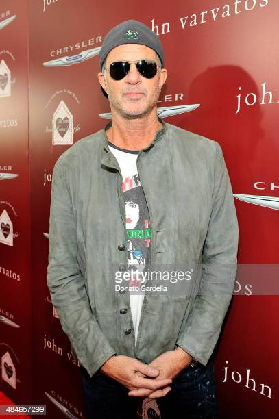 Musician Chad Smith arrives at the John Varvatos 11th Annual Stuart House Benefit presented by Chrysler Kids Tent by by Hasbro at John Varvatos...
