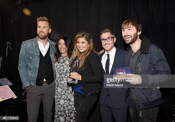 Musician Charles Kelley actress Lisa Edelstein musician Hillary Scott actor Dave Annable and musician Dave Haywood attend The 41st Annual People's...