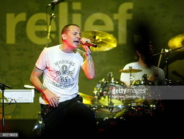 Musician Chester Bennington performs during the 'Music for Relief' tsunami benefit concert at the Anaheim Pond on February 18 2005 in Anaheim...