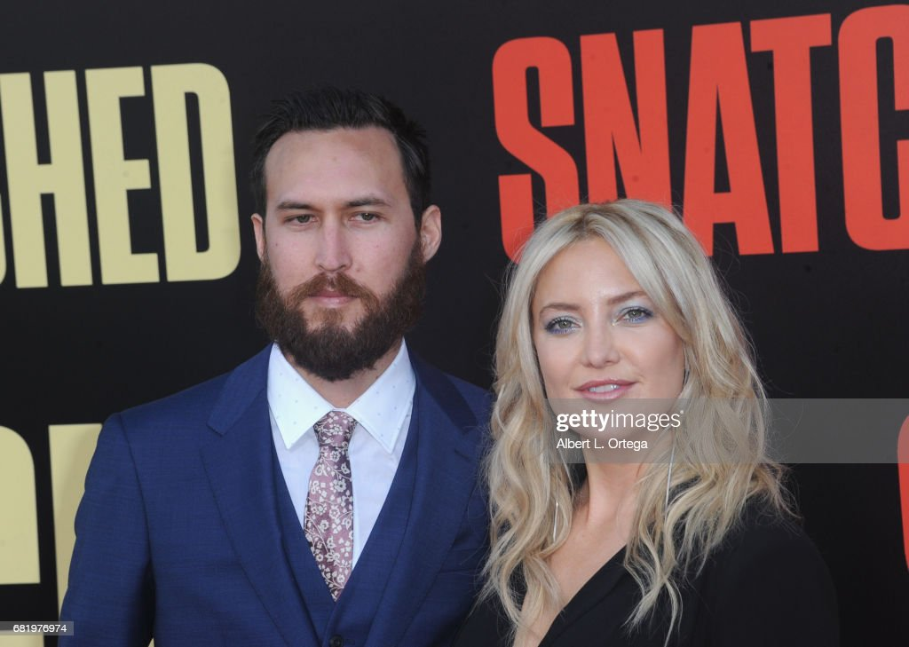 """Premiere Of 20th Century Fox's """"Snatched"""" - Arrivals : ニュース写真"""