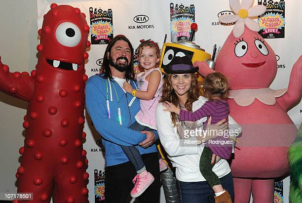 Musician Dave Grohl daughter Violet Grohl wife Jordyn Blum and daughter Harper Grohl attend Yo Gabba Gabba Live There's A Party In My City at Nokia...