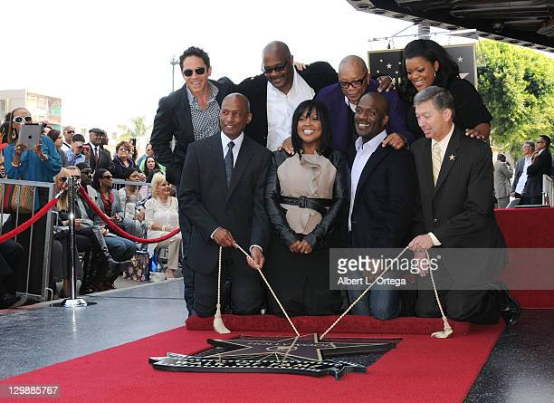 Musician Dave Koz pastor Marvin Winans musician Quincy Jones actress Yvette Nicole Brown walk of fame president Marty Shelton singer BeBe Winans...