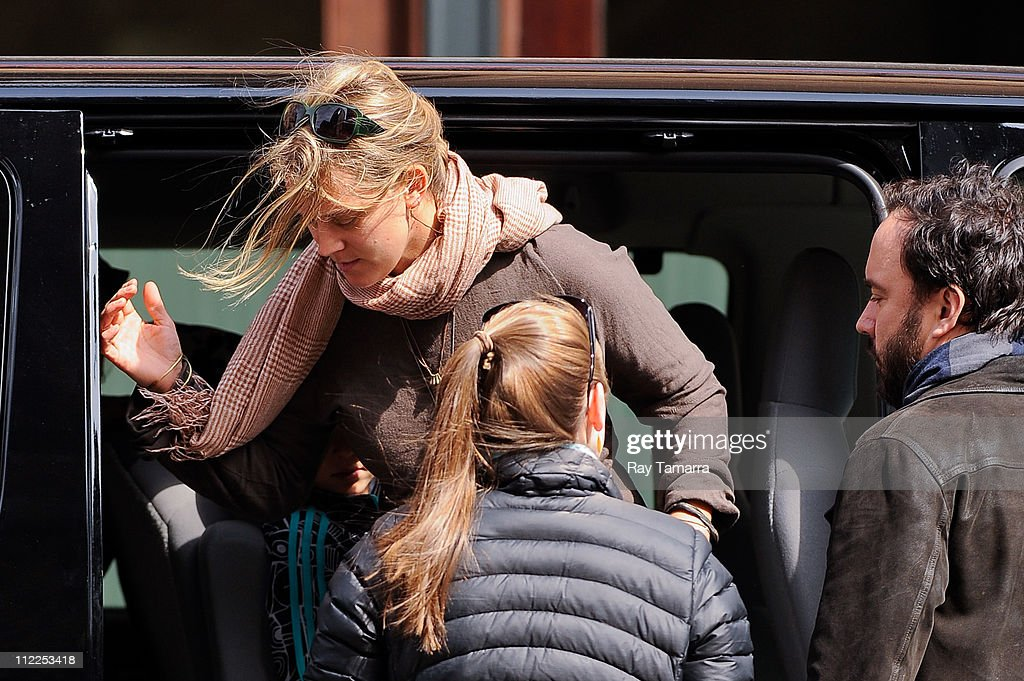 Celebrity Sightings In New York City - April 15, 2011 : News Photo