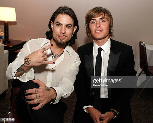 Musician Dave Navarro and actor Zac Efron pose backstage at the 2008 ALMA Awards at the Pasadena Civic Auditorium on August 17 2008 in Pasadena...