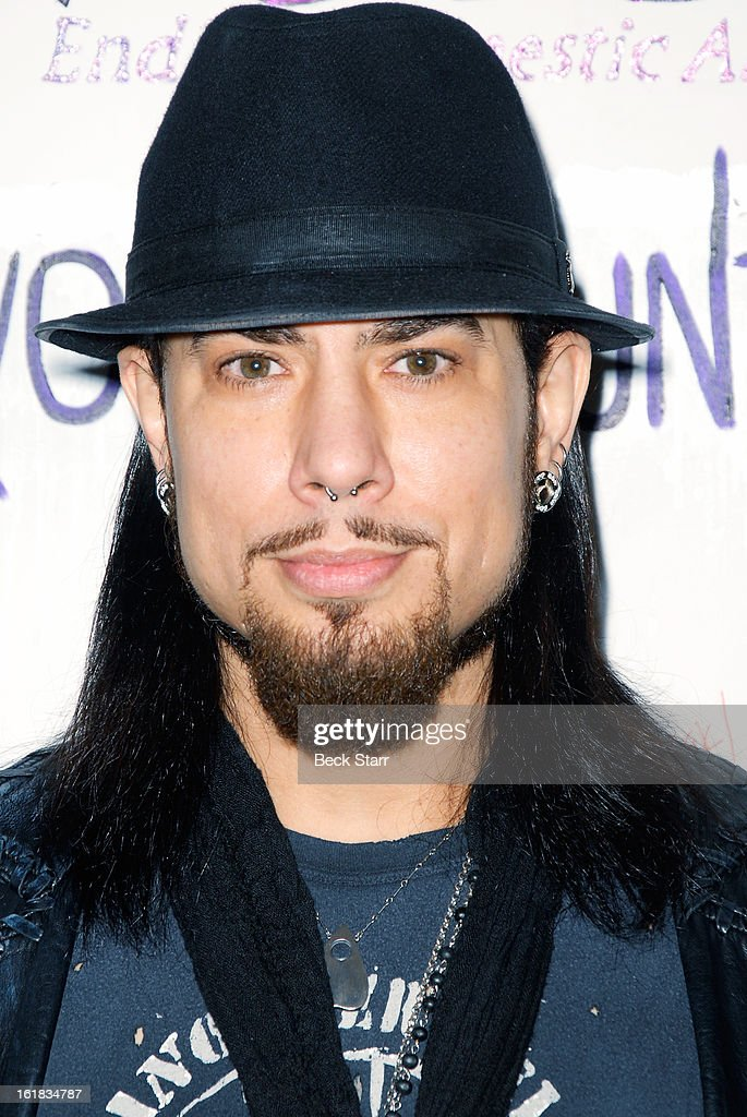 Musician Dave Navarro arrives at Linda's Voice live art auction at LAB ART gallery on February 16, 2013 in Los Angeles, California.