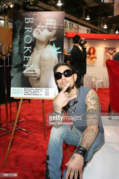 Musician Dave Navarro at the Teravision booth in the Sands Expo Center at the 2008 AVN Adult Entertainment Expo on January 11 2007 in Las VegasNevada