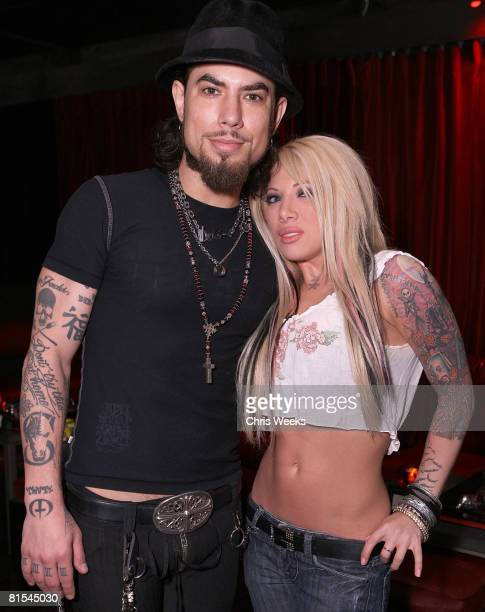 LOS ANGELES CA MAY 30 HOLLYWOOD May 30 Musician Dave Navarro left and Daisy De La Hoya attend the opening of Kiss Lounge on May 30 2008 in Hollywood...