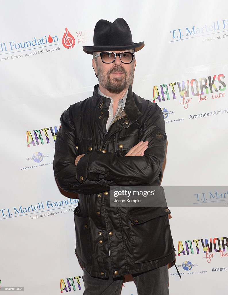 The T.J. Martell Foundation's 3rd Annual Artworks For The Cure Charity Event - Spirit Of Excellence Awards Dinner : News Photo