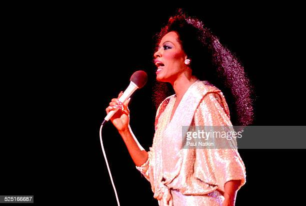Musician Diana Ross performs at the Poplar Creek Music Theater Chicago Illinois September 4 1982