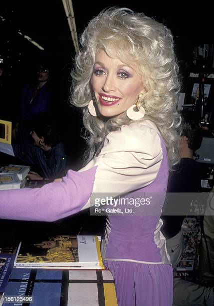 Musician Dolly Parton attends Fannie Flagg's InStore Appearence to Promote Her New Book 'Fried Green Tomatoes at the Whistlestop Cafe' on November 10...
