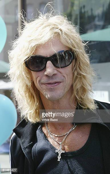 Musician Duff McKagen attends a benefit arts festival for the Westside Children's Center at Sony Pictures Studios on October 10, 2004 in Culver City,...