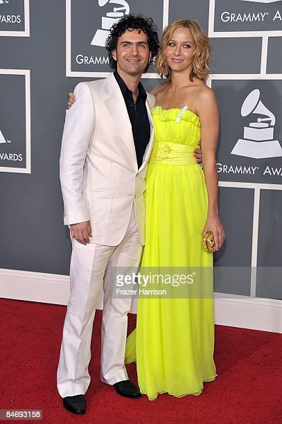 Musician Dweezil Zappa and wife Lauren Knudsen arrive at the 51st Annual Grammy Awards held at the Staples Center on February 8 2009 in Los Angeles...