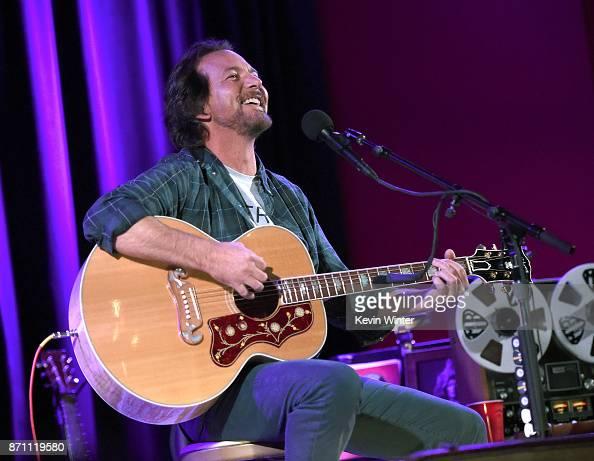 Eddie Vedder Gallery: Eddie Vedder Photos – Pictures Of Eddie Vedder