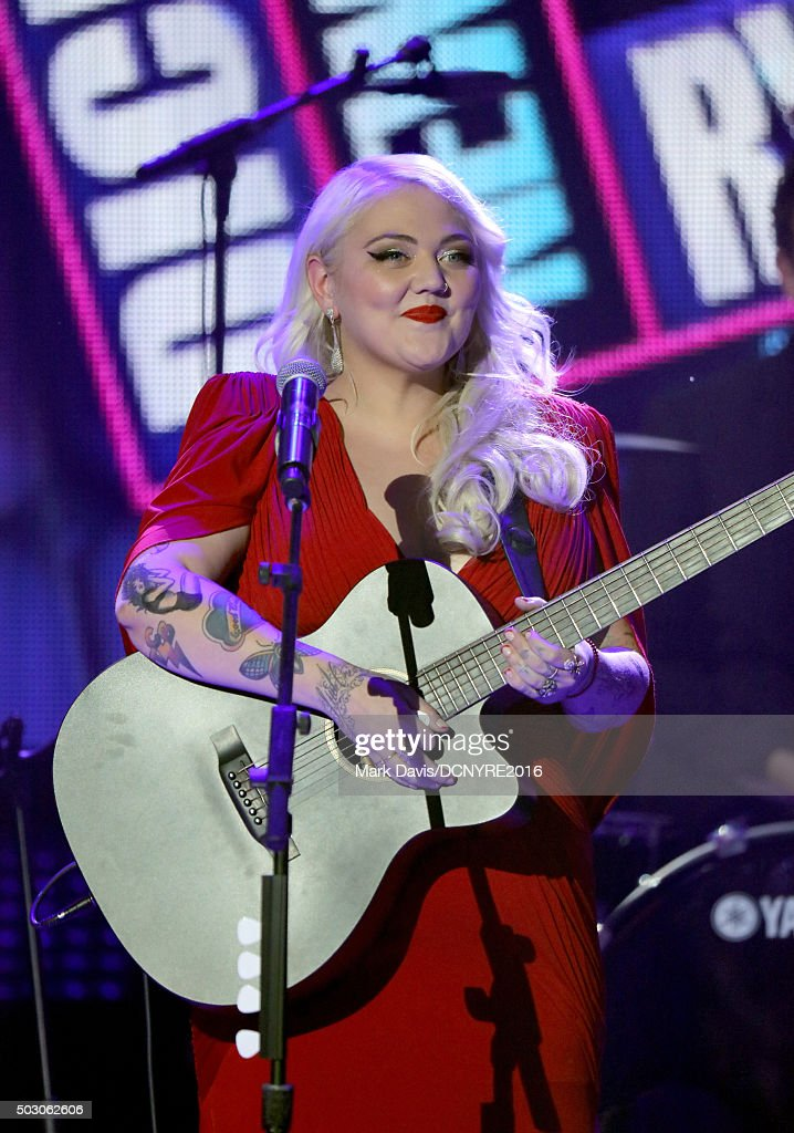 Musician Elle King performs onstage at Dick Clark's New Year's Rockin' Eve with Ryan Seacrest 2016 on December 31, 2015 in Los Angeles, CA.