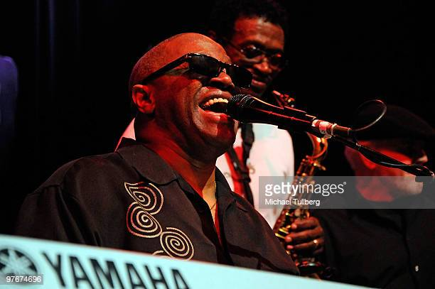 Musician Ellis Hall of the Tower Of Power performs with the AllStar Jam Band at the 'Unity For Peace' benefit concert held at the House Of Blues on...