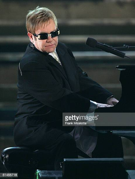 Musician Elton John performs Is The Right Time onstage at CBS' Ray Charles Tribute Concert at the Staples Center on October 8 2004 in Los Angeles...
