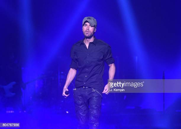 Enrique Iglesias 2017 Stock Photos And Pictures Getty Images