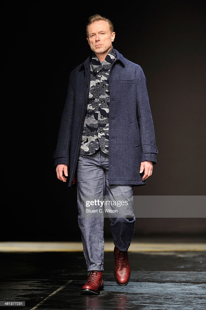 Oliver Spencer: Runway - London Collections: Men AW14 : News Photo