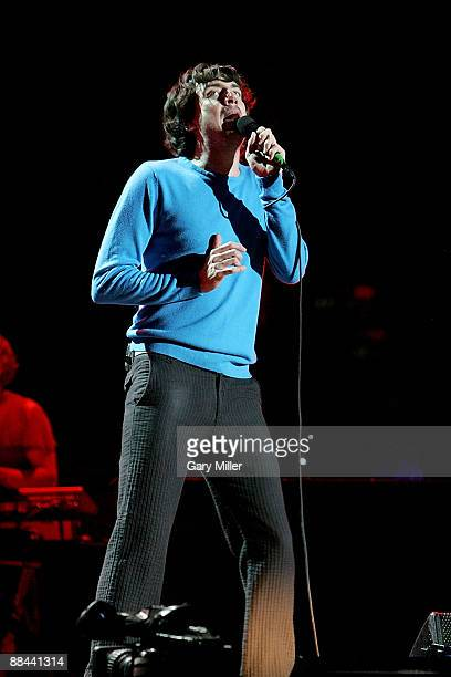 Musician Gary Lightbody of Snow Patrol performs in concert at the AT&T Center June 10, 2009 in San Antonio, Texas.