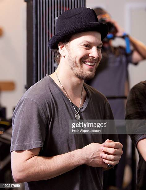 Musician Gavin DeGraw attends Microsoft's Shape The Future Program To Benefit VH1 Save The Music at Gibson Guitar Entertainment Relations Showroom on...