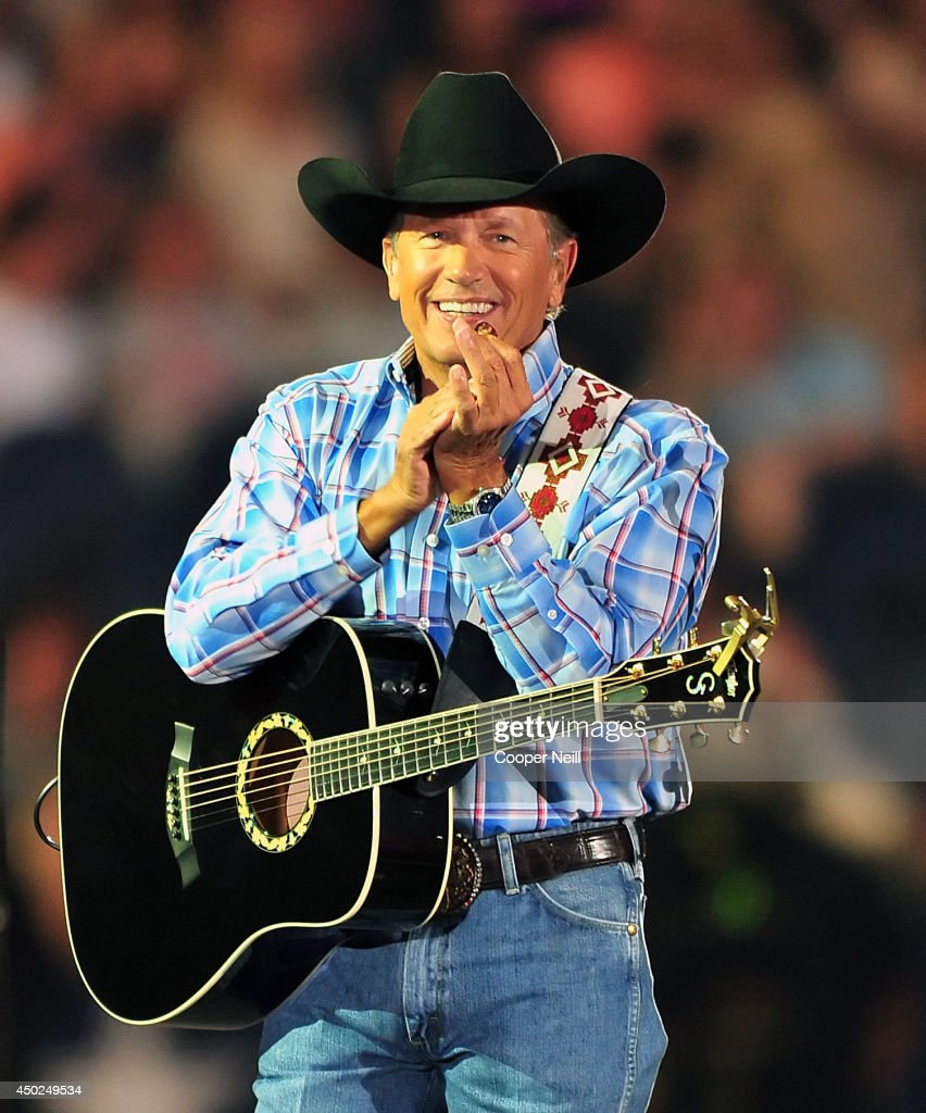 George Strait's The Cowboy Rides Away Tour Final Stop At AT&T Stadium - Show : News Photo
