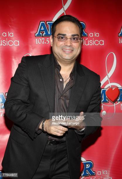 Musician Gilberto Santa Rosa poses in the press room during the Amor A La Musica 2007 concert on October 28 2007 in Miami Florida