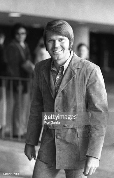 Musician Glen Campbell attends the rehearsals for 43rd Annual Academy Awards on April 14 1971 at the Dorothy Chandler Pavilion in Los Angeles...