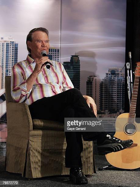 Musician Glen Campbell speaks to the audience during a photo call at the ShangriLa Hotel Sydney on January 30 2008 in Sydney Australia