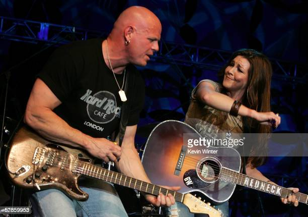 Musician Gretchen Wilson performs onstage at the 2nd Annual New Artist Show at the Mandalay Bay on May 16, 2005 in Las Vegas, Nevada.