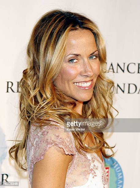 Musician honoree Sheryl Crow poses at the Tower Cancer Research Foundation's 2007 Annual Gala Dinner at the Beverly Hilton Hotel May 20 2007 in...