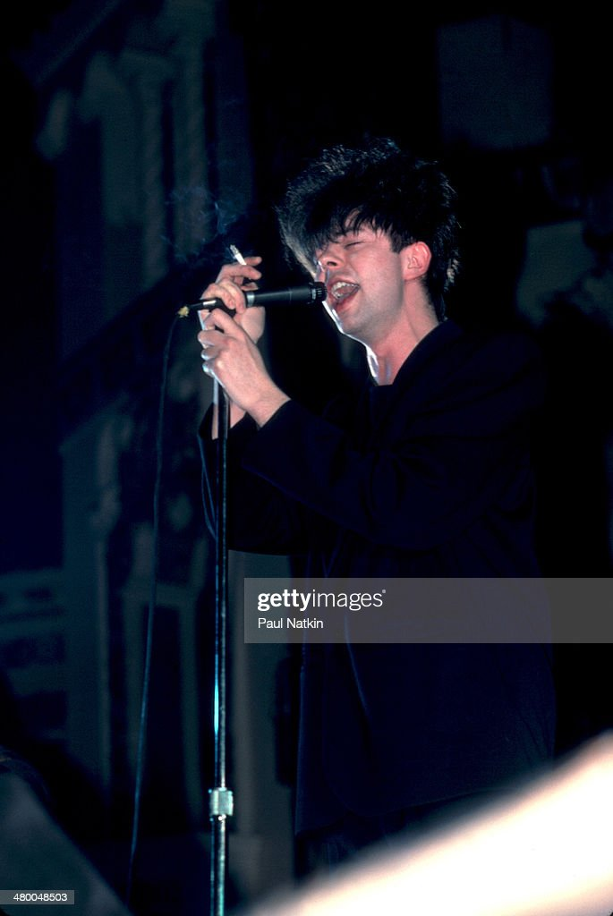 Ian McCulloch Performs Onstage : News Photo