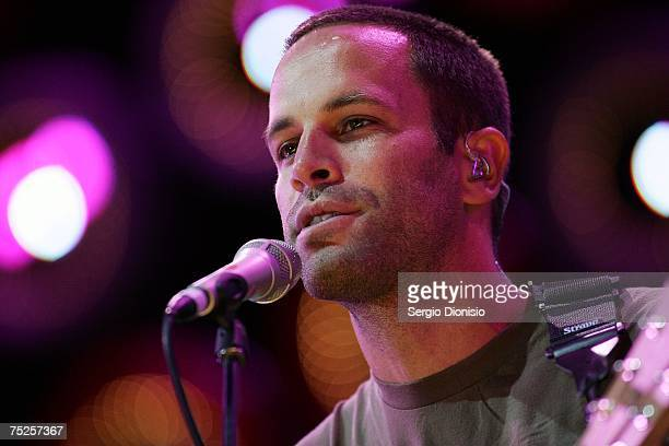 Musician Jack Johnson performs on stage at the Australian leg of the Live Earth series of concerts at Aussie Stadium Moore Park on July 7 2007 in...