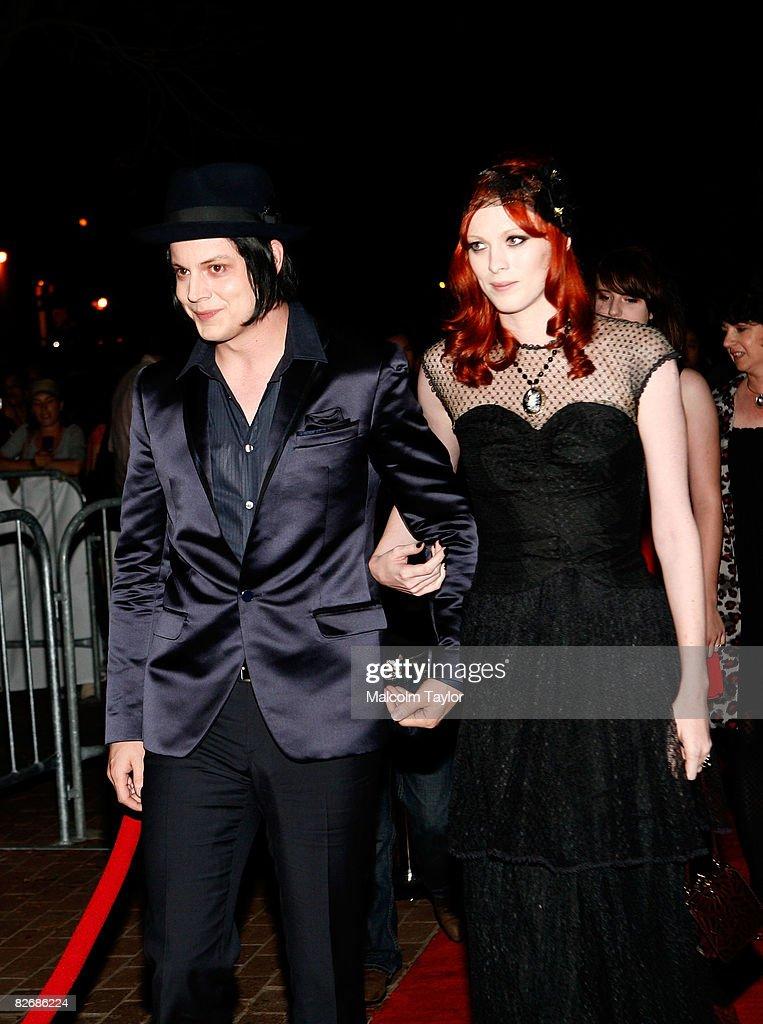 """Premiere Of """"It Might Get Loud"""" - TIFF 2008 : Nachrichtenfoto"""