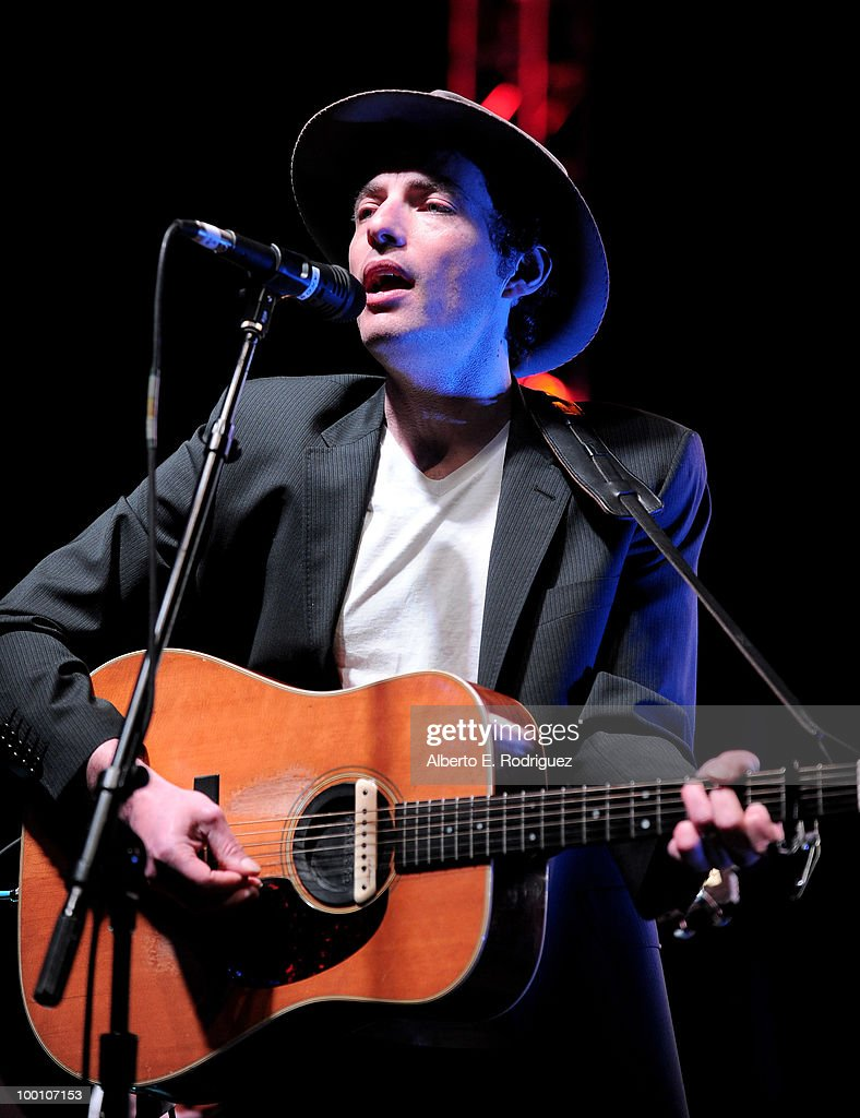 Musician Jakob Dylan performs at Heal the Bay's 25th annual 'Night Under the Stars' on May 20, 2010 in Santa Monica, California.